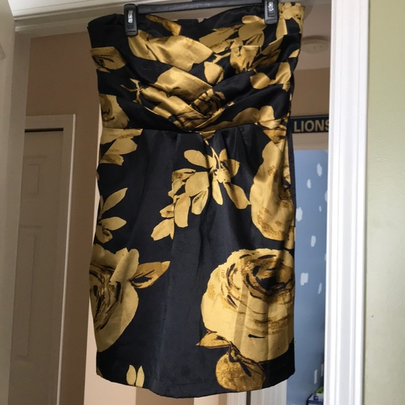 Dots Dresses & Skirts - Black dress with gold flowers LIKE NEW size 13/14